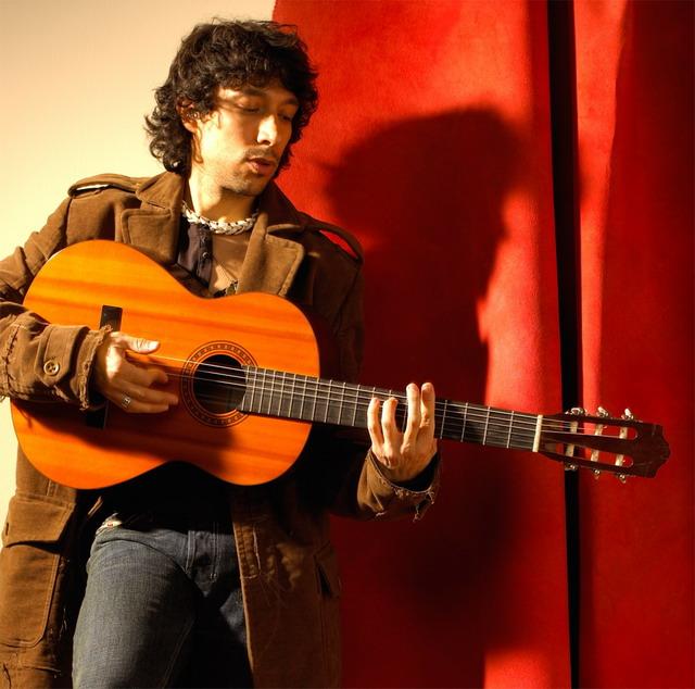 Javier-Mendoza-full-size